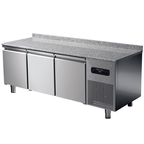 Bäckereikühltisch 3-türig 600x400 mm mit Granitarbeitsplatte und Aufkantung